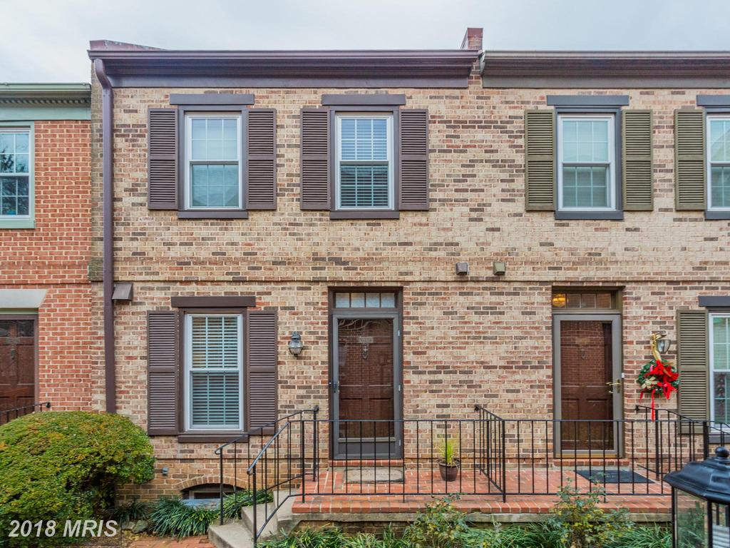 What's For Sale At Laurel Mews In Arlington? thumbnail