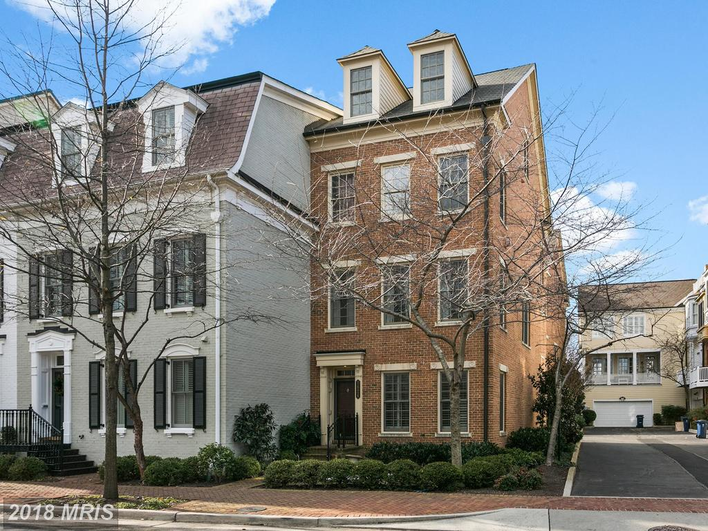 Suggestions For Finding A Local Real Estate Agent In Old Town If You're Looking For A 3-BR $899,000 Colonial thumbnail
