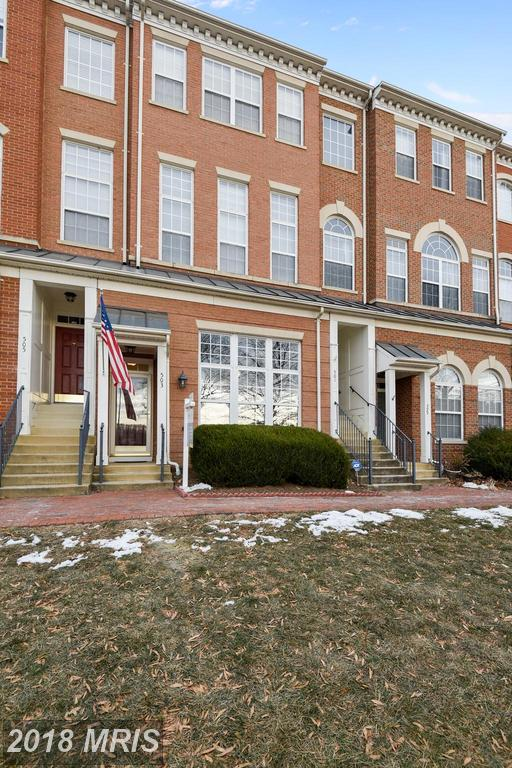 2 Bedroom Home In 22304 In The City Of Alexandria Advertised For $439,900 At Woodland Hall At Cameron Station thumbnail
