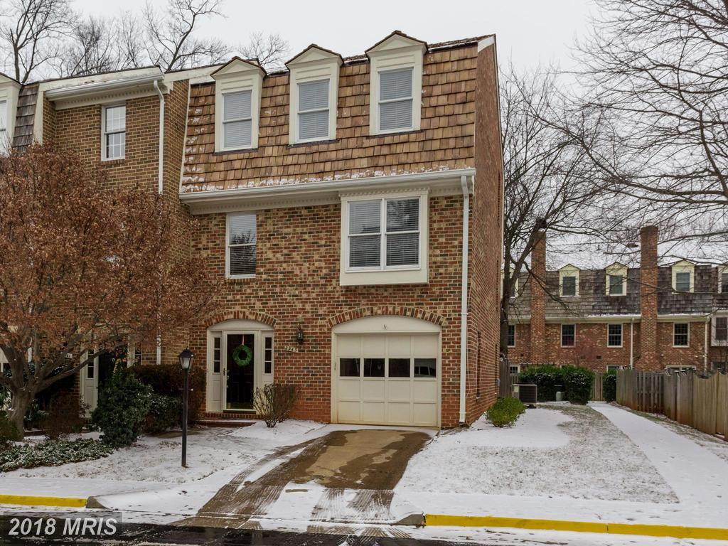 Advice For Townhouse Buyers Who Are Dreaming About A Friendly Realtor To Assist With Getting A $579,900 3-bedroom Traditional-style Interesting In Oakton thumbnail