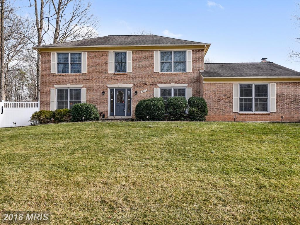 4923 Novak Ln, Fairfax, VA 22030