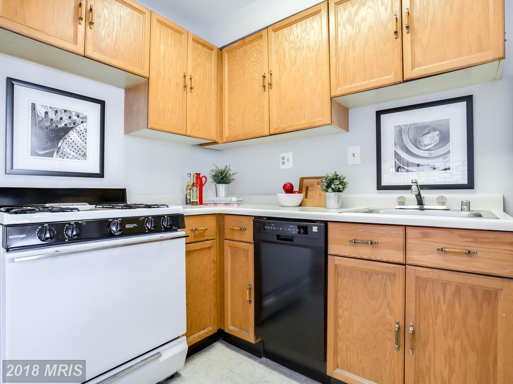 1565 Colonial Ter #104-Z