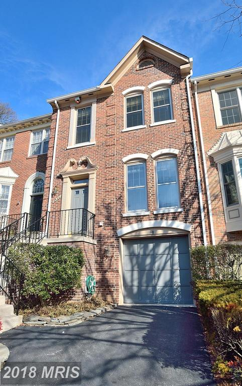 22150 Real Estate: Features You Can Expect In A 3-bedroom Colonial-style Townhouse thumbnail
