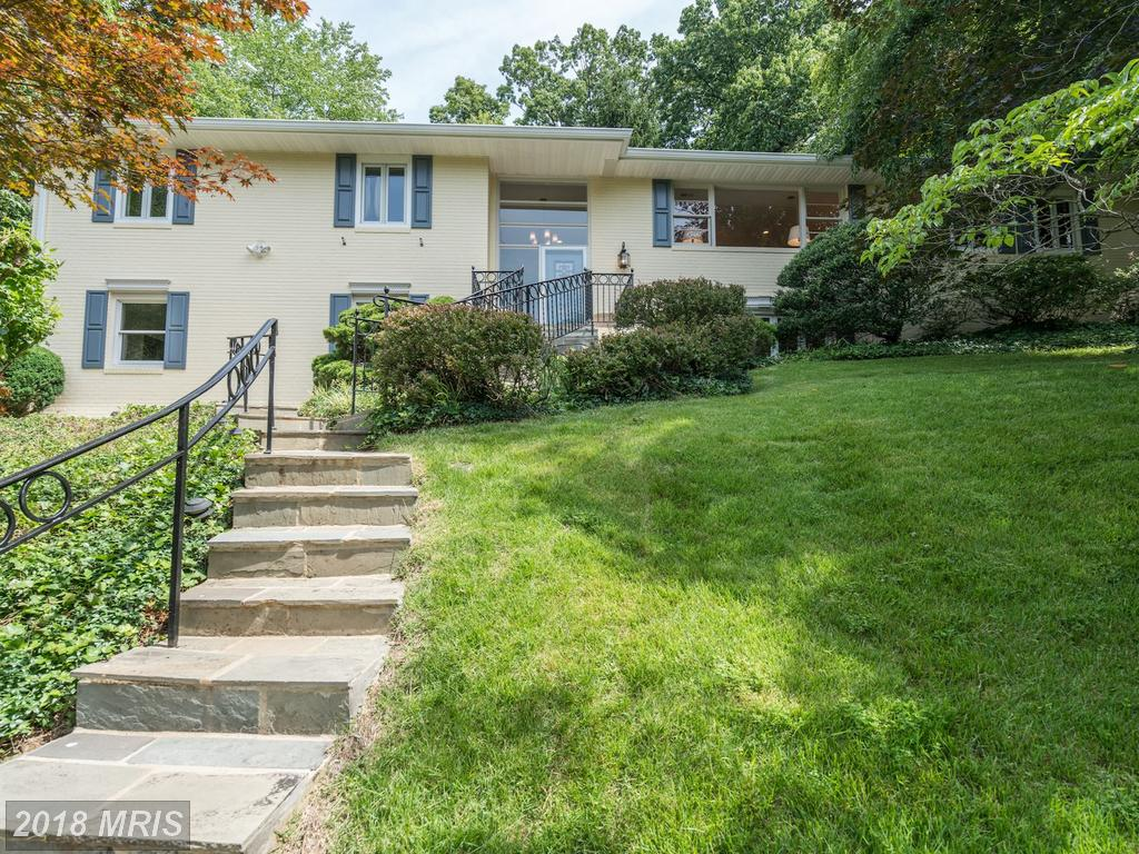 Split Foyer-Style Home On The Market At $999,000 In 22207 In Arlington thumbnail