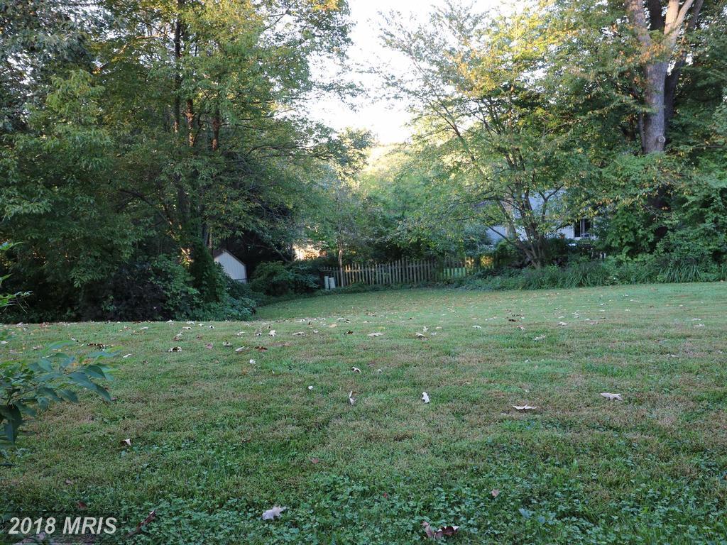 8314 Briar Creek Dr, Annandale, VA 22003