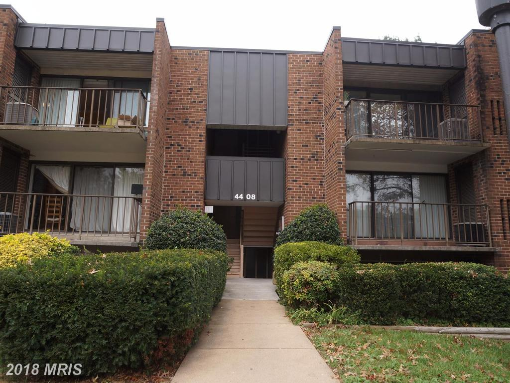 3 Bedroom 2 Bathroom Garden-style Condo For Sale At $265,000 In 22003 Annandale thumbnail
