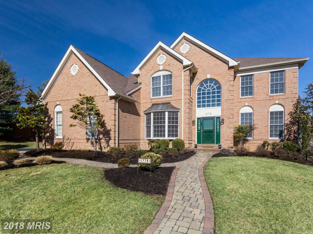 $999,900 For A 4 Bedroom Colonial In 22182 In Fairfax County thumbnail