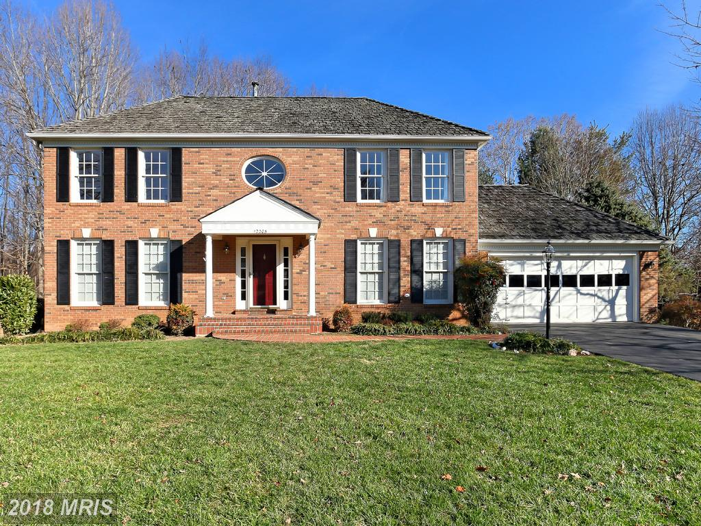 Listed Colonials 02/22/2018 Around $695,000 In 22030 In Fairfax County thumbnail