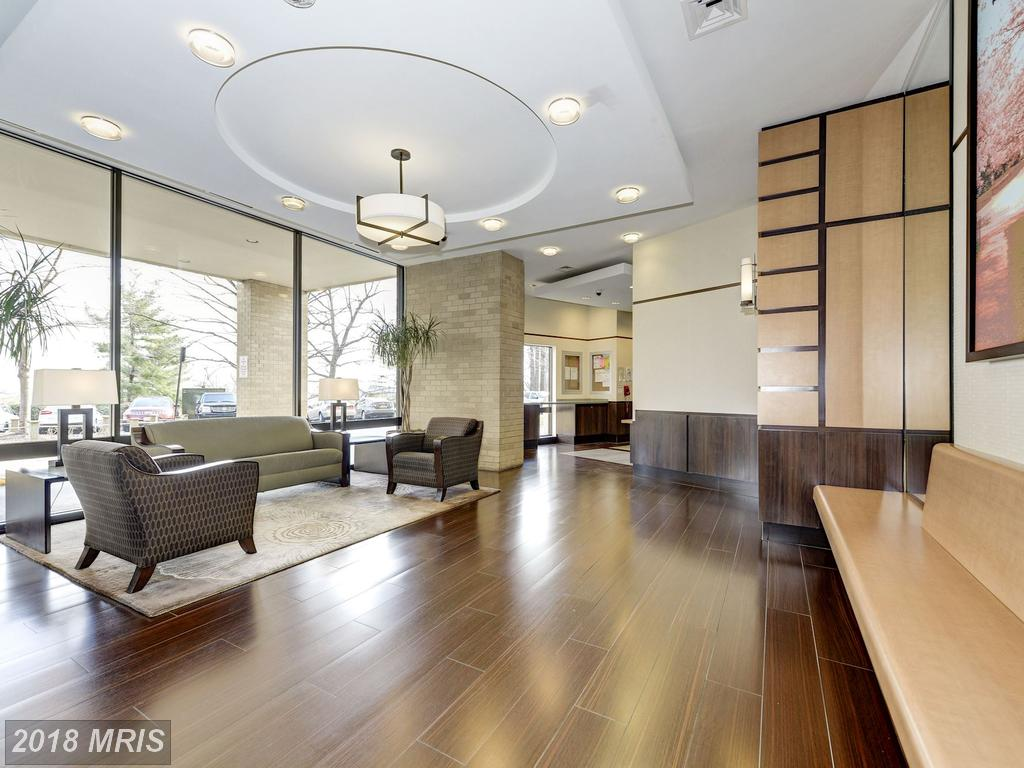 Ready To Move To A $309,900 3-bedroom Contemporary-style Condo At Watergate At Landmark In Alexandria? thumbnail