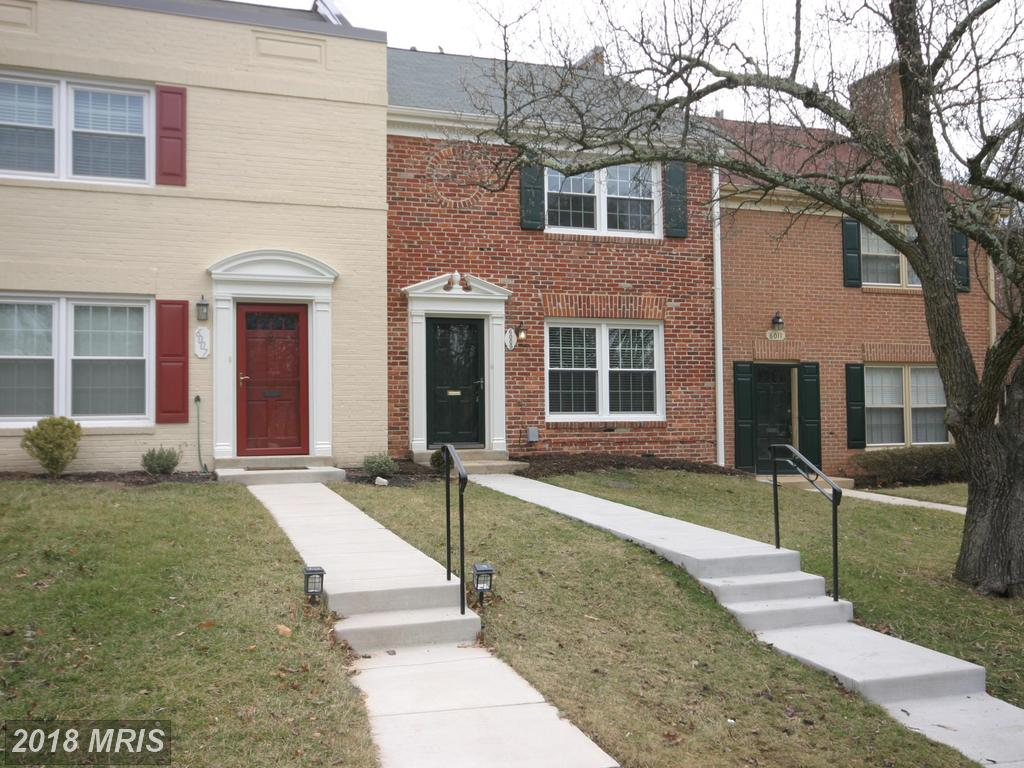Check Out This 2-BR 1 BA Townhouse On The Market In Springfield, Virginia thumbnail