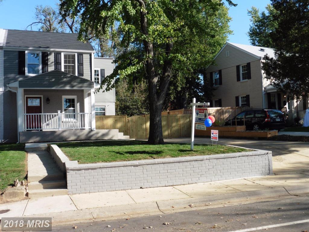 Nesbitt Realty Sells Homes At Jefferson Manor thumbnail