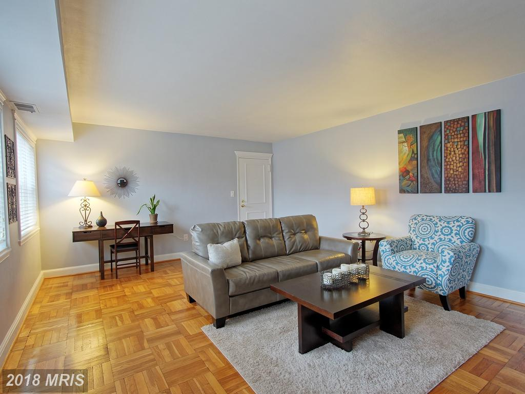 About Arlington For Home Buyers Purchasing A $259,900 Garden-Style Condo Like 1336 Ode St N #13 In Westmoreland Terrace thumbnail