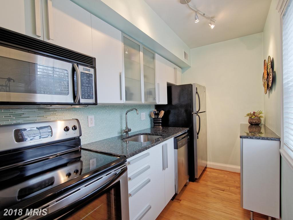 Photo of 1336 Ode St N #13