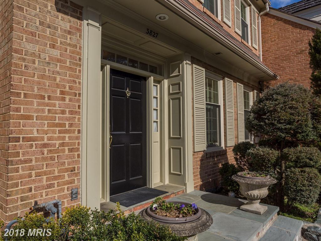 3 BR / 3 BA Real EstateOn The Market At $1,045,000 In The Glebe thumbnail