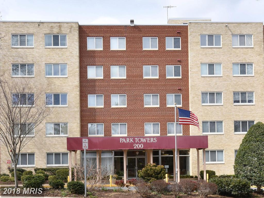 200 Maple Ave N #405, Falls Church, VA 22046