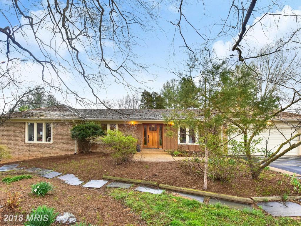 Expansive California-Style Living In Great Falls At Saddlebrook Estates thumbnail
