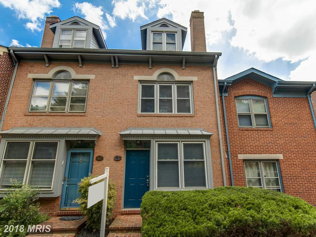 $3,100 In 22314 In The City Of Alexandria At Near Metro Stop For Rent $3,100 // 3 Beds // 2 Full Baths thumbnail