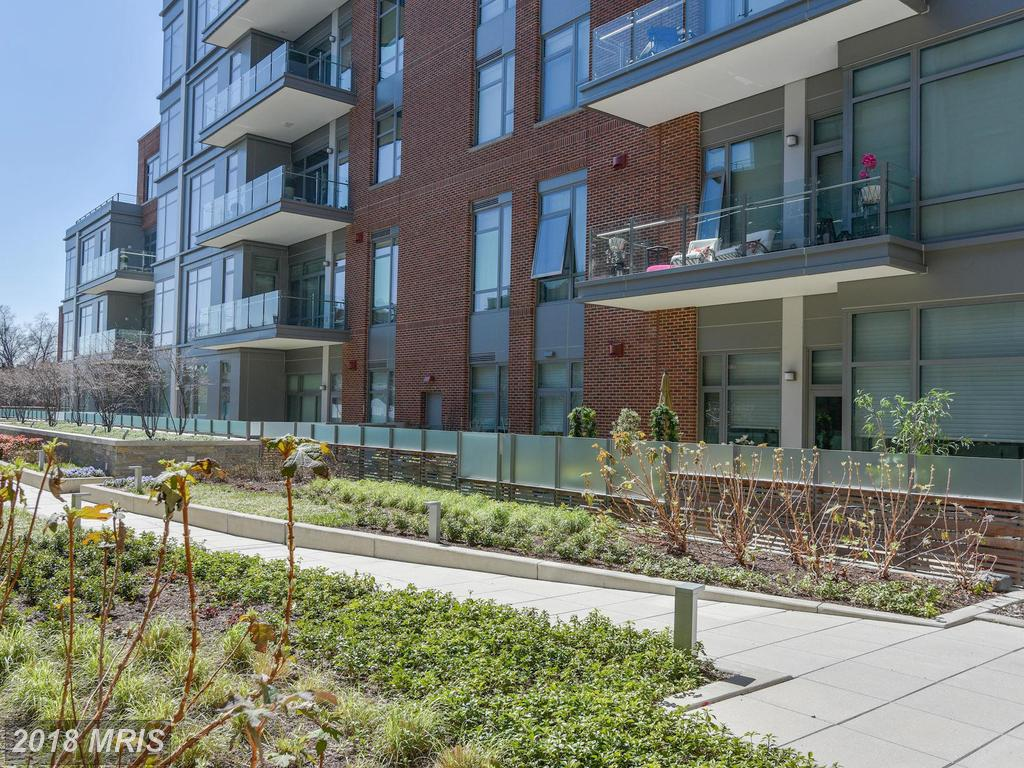 $7,285 In 22314 Close To King St. For Rent $7,285 // 2 Beds // 2 Full Baths - 1 Half Baths thumbnail