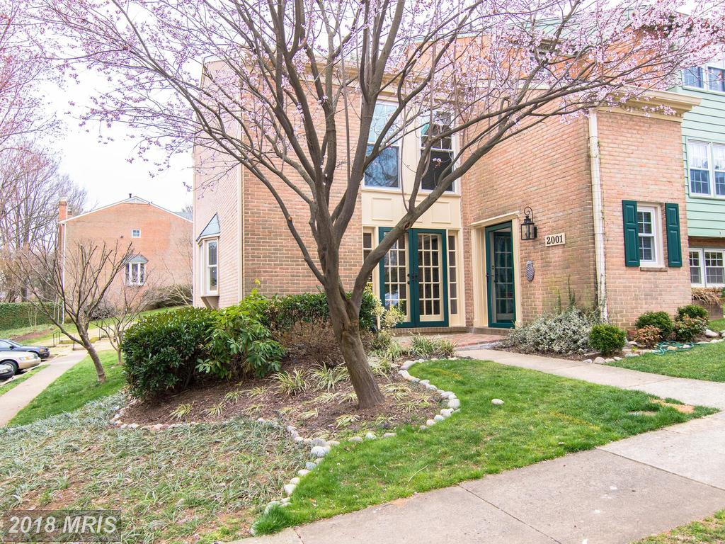 Have You Been Looking To Buy A Townhouse In Falls Church, Virginia? thumbnail