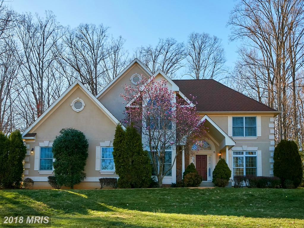 Interesting $899,900 4-bedroom 3-baths Colonial Place In 22015 thumbnail
