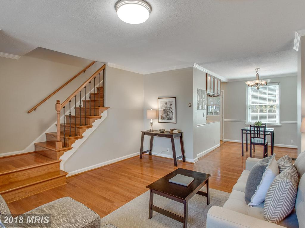 Is A Townhouse Like 4402 34th St S In 22206 In Arlington What You're Looking For? thumbnail