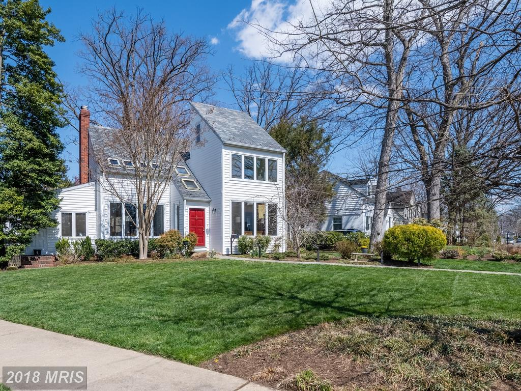 Large Choices To Mull Over The Idea Of If You're Doling Out $995,000 For A House In Northern Virginia thumbnail