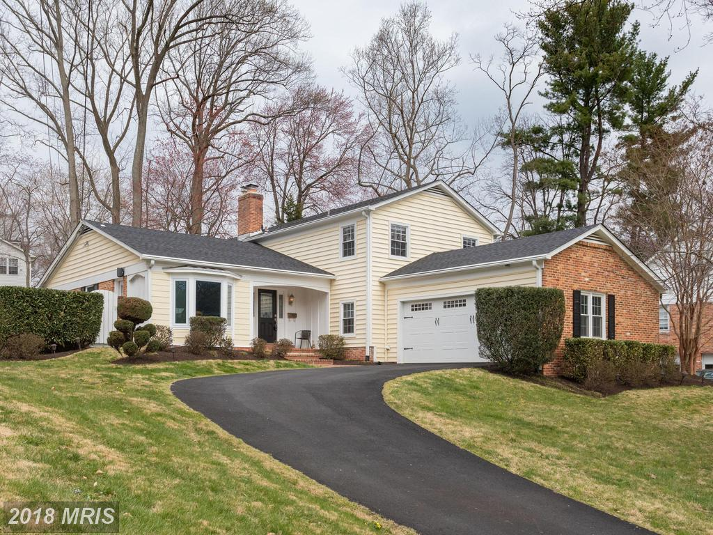 Renovated Single-Family Residence In 22003 In Fairfax County thumbnail