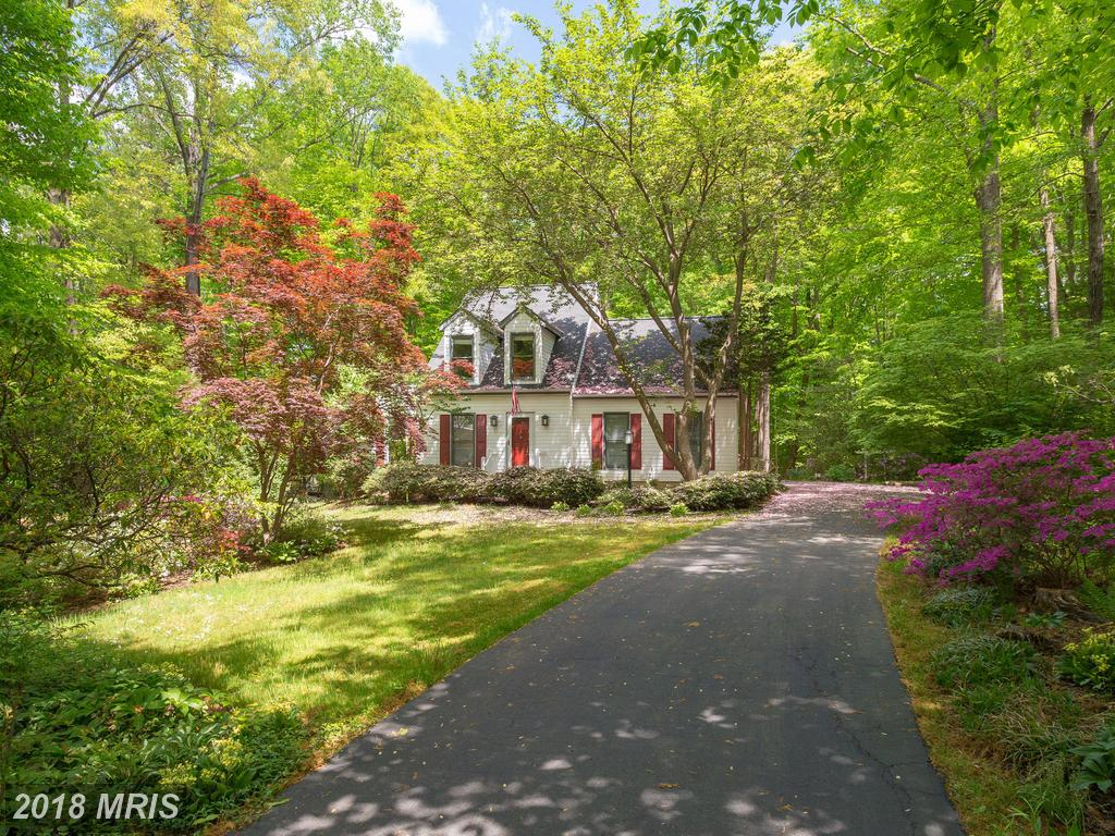 4-BR Surprising Cape Cod-style Place On The Market Like 7815 Newington Woods Dr thumbnail