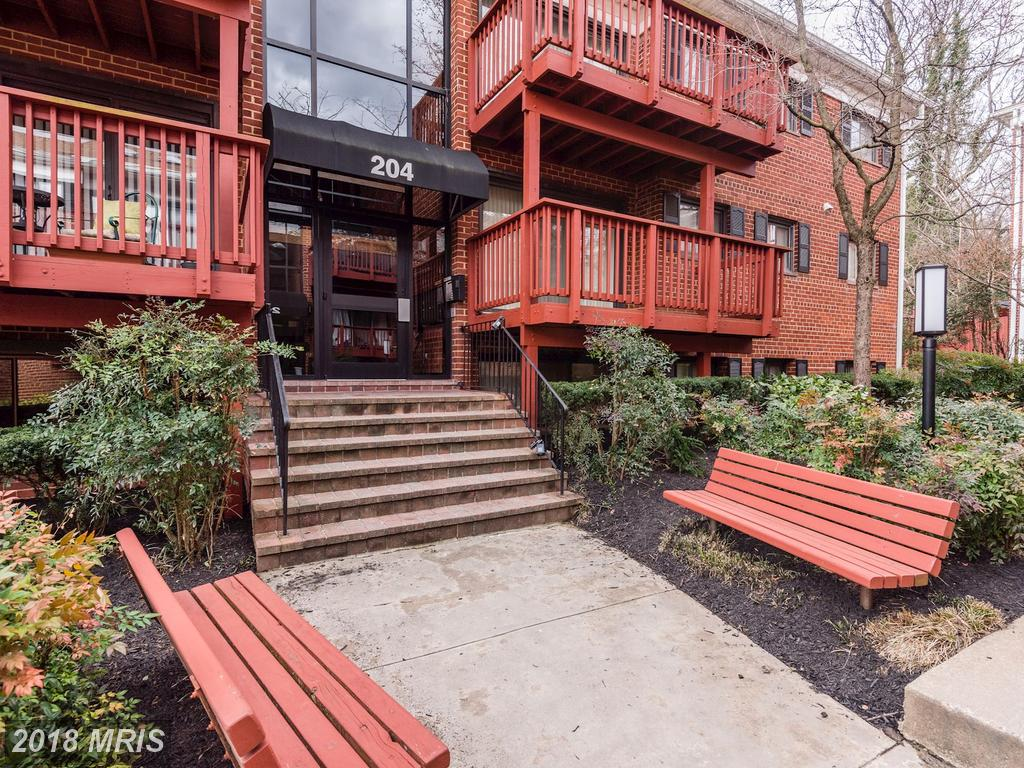 What Choices Are There For Buyers Seeking A Small 2-Bedroom Garden-Style Condo Around $289,900? thumbnail