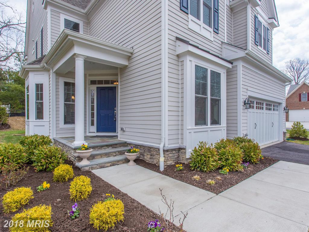 Big Home For Sale For $919,900 In Fairfax County thumbnail