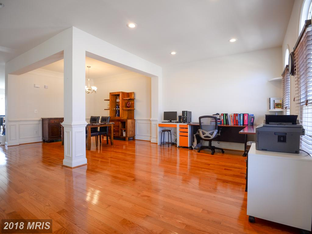 8407 Chaucer House Ct