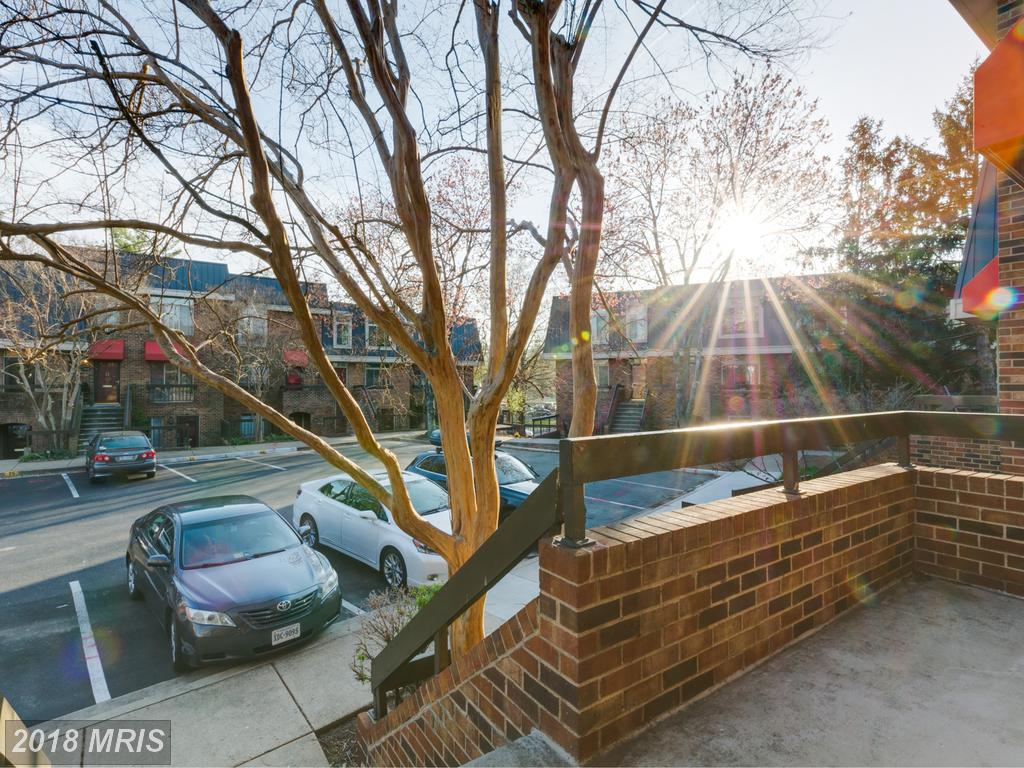 $589,000 In Arlington, Virginia At Southampton // 1,400 Sqft Of Living Area thumbnail