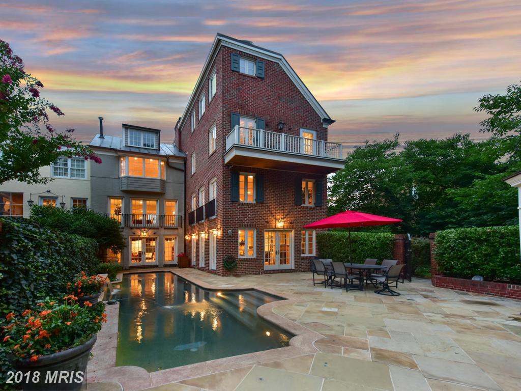 $3,095,000 For 5 BR / 4 BA Townhouse In 22314 In Alexandria thumbnail