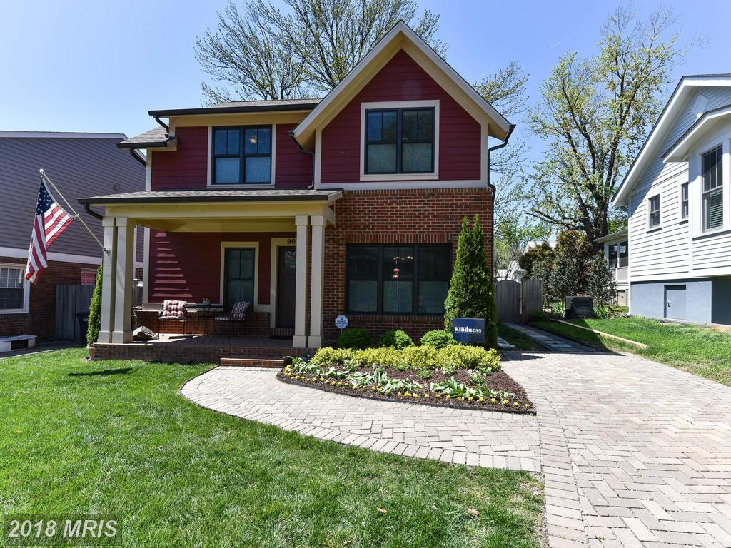 $1,300,000 In Alexandria, Virginia At Del Ray // 5 Beds // 4 Full Baths - 1 Half Baths thumbnail