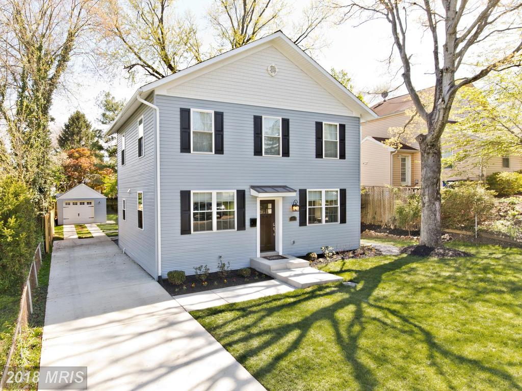 $724,900 :: 4 Bedroom Detached-home, 4 Days On Market In 22042 thumbnail