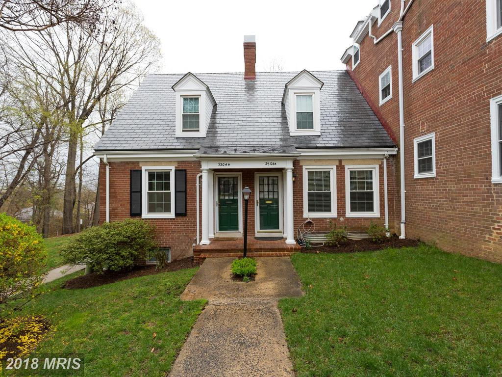 How Much Do Row Houses Cost At Fairlington Commons In 22206 In Arlington? thumbnail