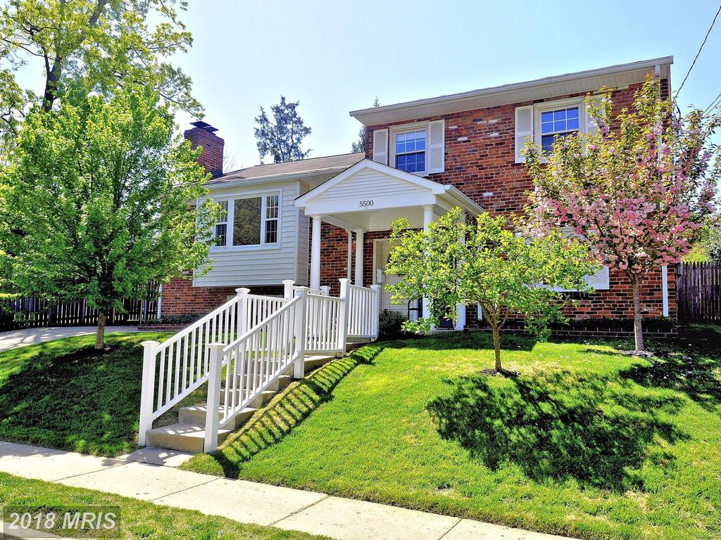 Looking For A 4 Bedroom Detached House In 22204 In Arlington County? thumbnail
