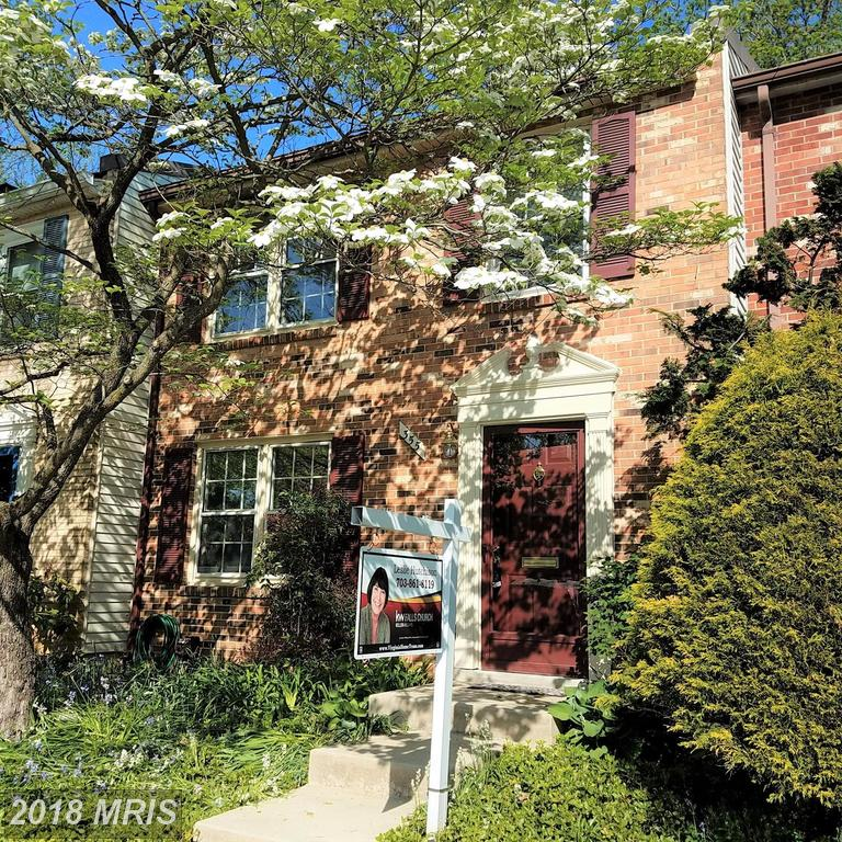 $599,900 For 3 BR / 2 BA Townhouse In Falls Church thumbnail