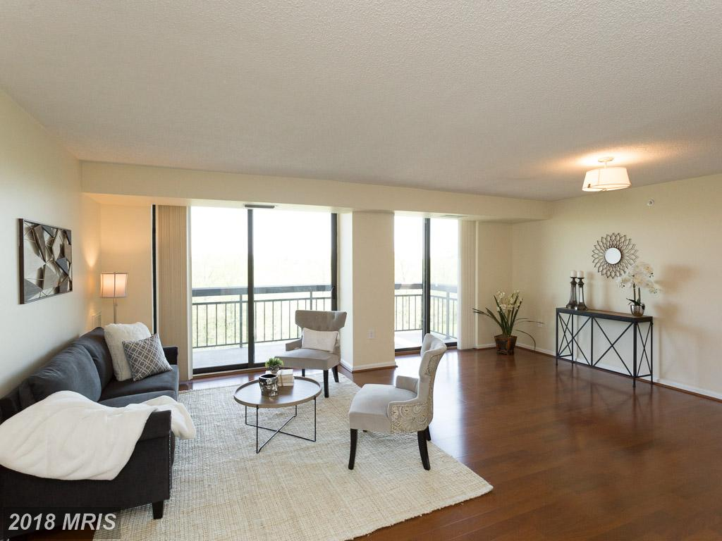 Interesting 2 Bedroom Condo On The Market In Falls Church thumbnail