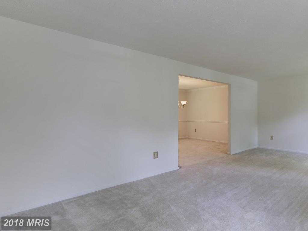 Photo of 5765 Heming Ave