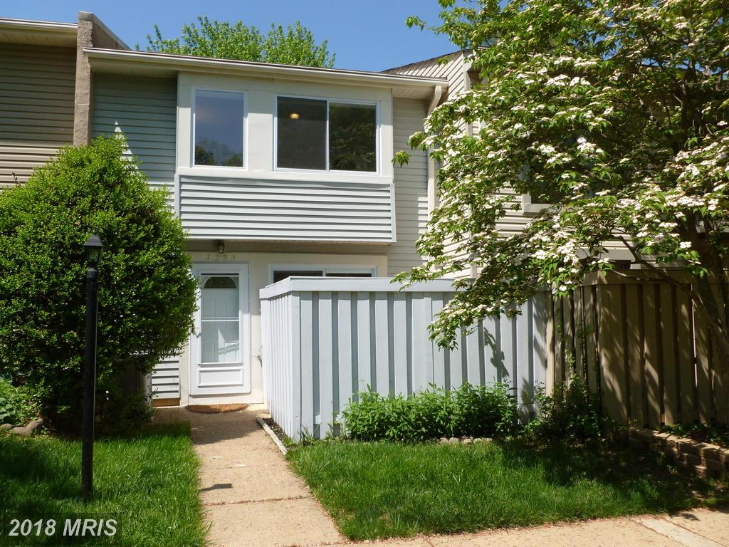 Highlighted 3 Bedroom Townhome At Bentley Village In Springfield thumbnail