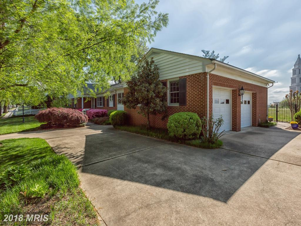 $1,199,000 Mid 20th-Century Rambler-Style Home Home For Sale In Alexandria thumbnail