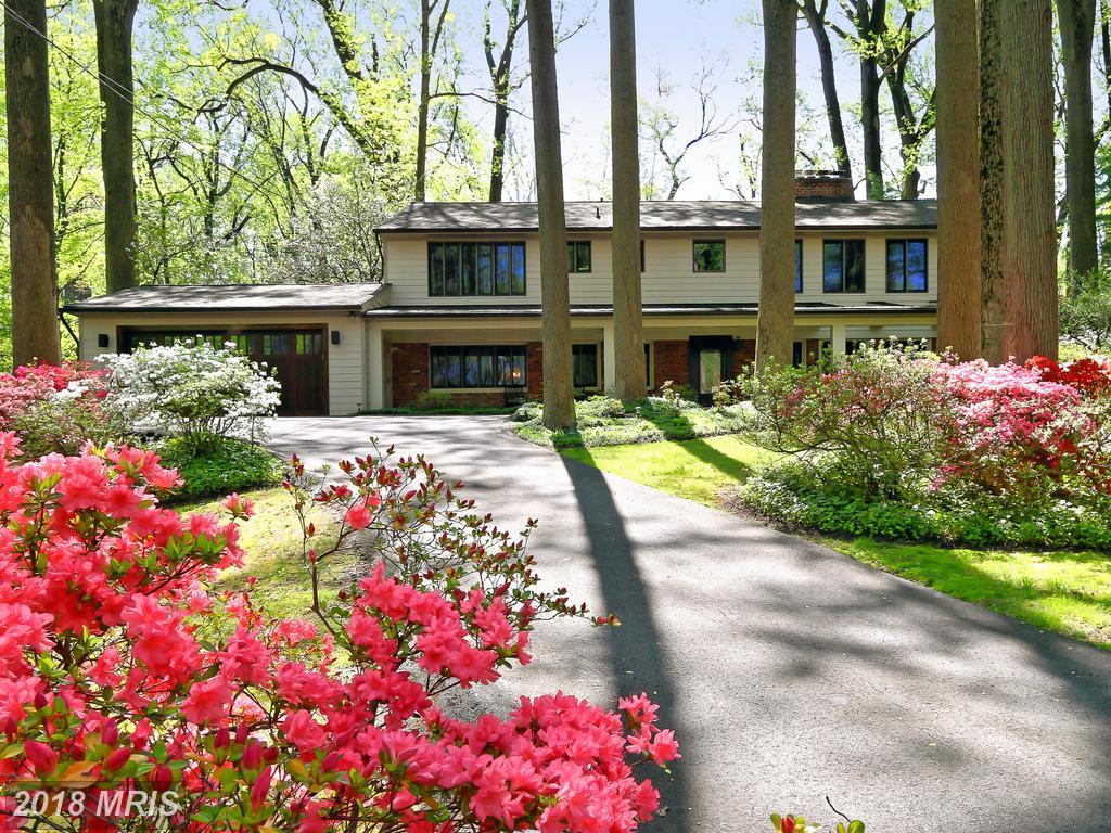 $899,000 :: 4 Bedroom Single-Family Residence, 5 Days On Market In 22041 thumbnail