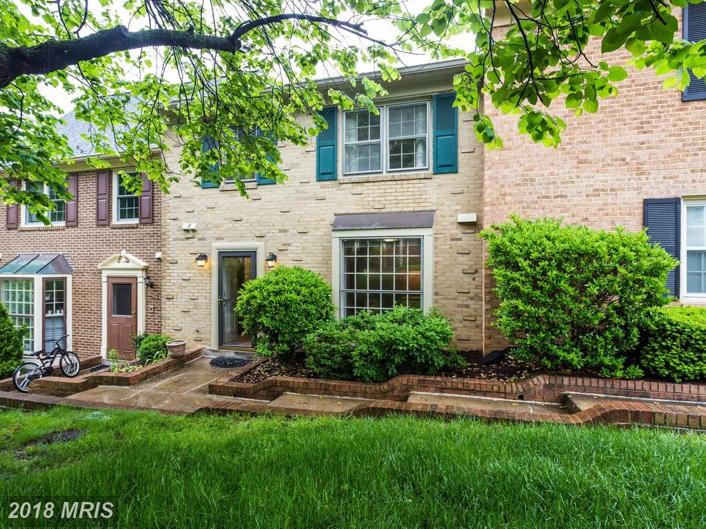 $455,000 For 3 BR / 3 BA Colonial In The City Of Alexandria thumbnail