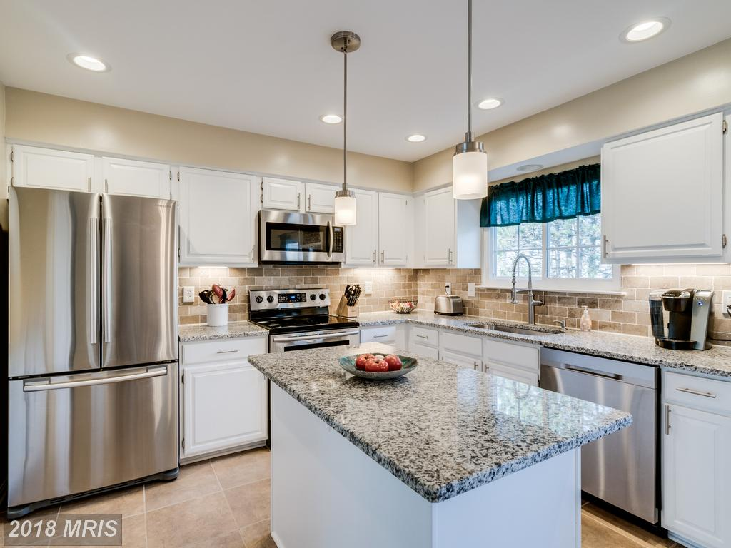 1,410 Sqft Residence Listed For Sale In Alexandria, Virginia For $499,900 thumbnail