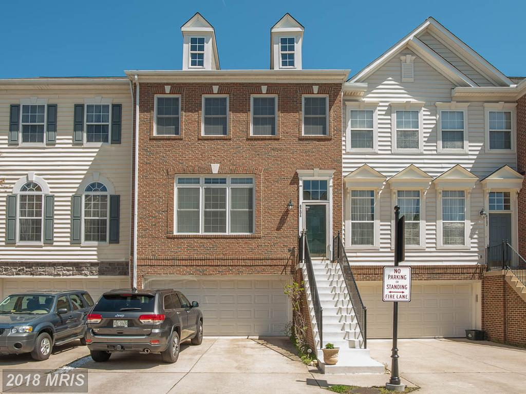 Autumn Chase Hunt Colonial In Northern Virginia For $549,950 thumbnail