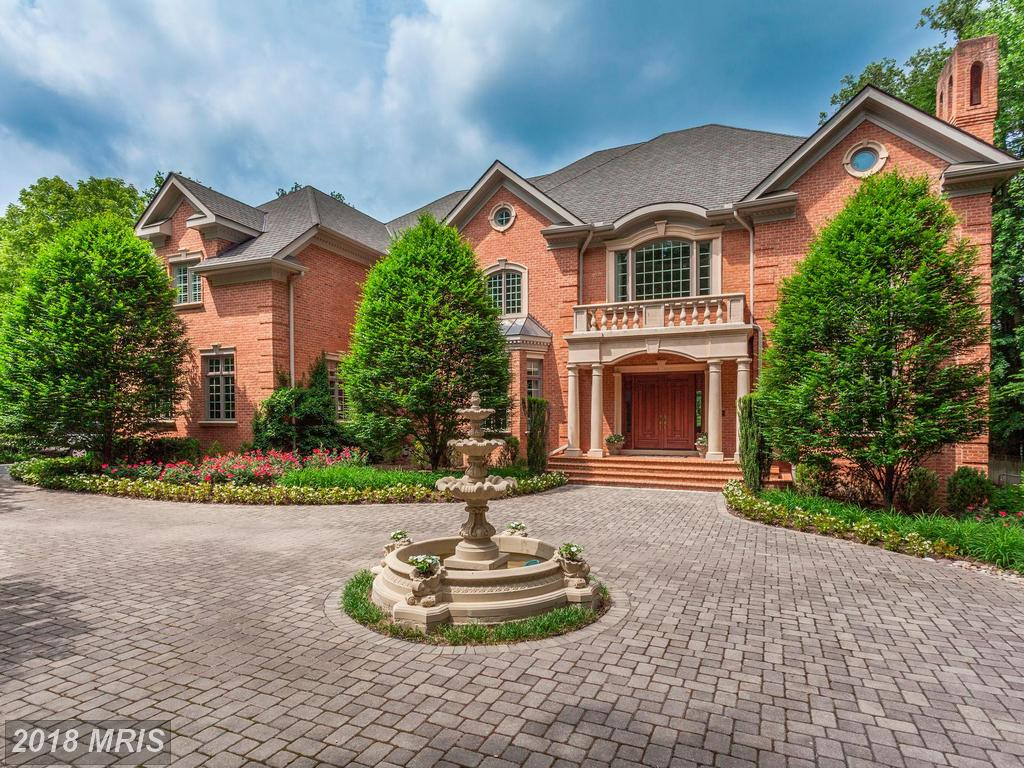This Georgian-Home In Northern Virginia Is A Super Luxury 8-Bedroom thumbnail