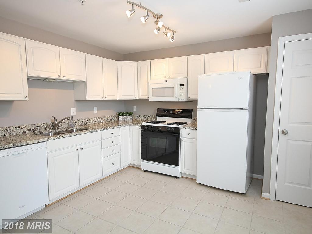 Find A 2 Bedroom Garden-Style Condo In Alexandria For $259,990 thumbnail