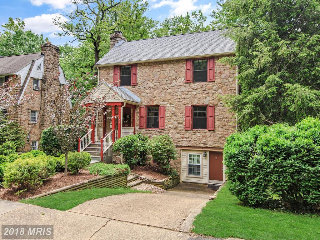 $875,000 In Northern Virginia At Ballston // 1,415 Sqft Of Living Area thumbnail