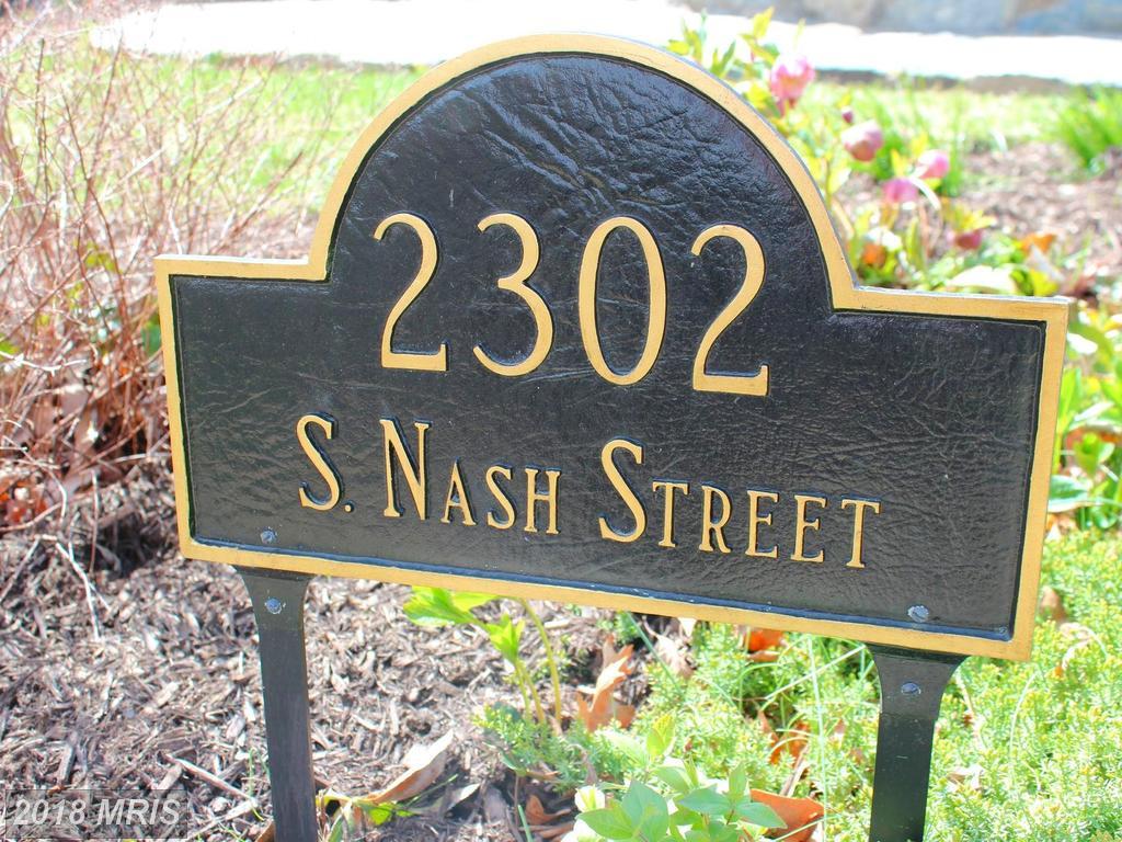 2302 Nash St S